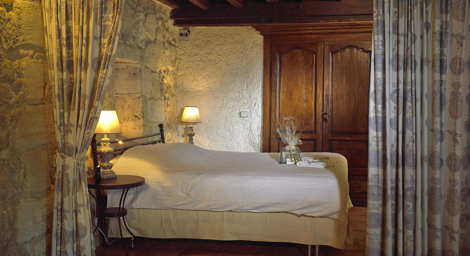 "Cottage ""Margaux"" (2 pers) the bedroom with air-conditioning"