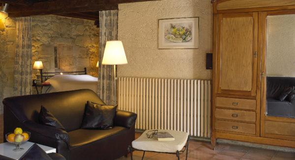 VBordeaux Gites, Location Avec Piscine Au Chateau Avec Gite Pauillac Pour 2  Personnes Et Maisons De Vacances Et Locations De Vacances De Gîtes à  Bordeaux ...