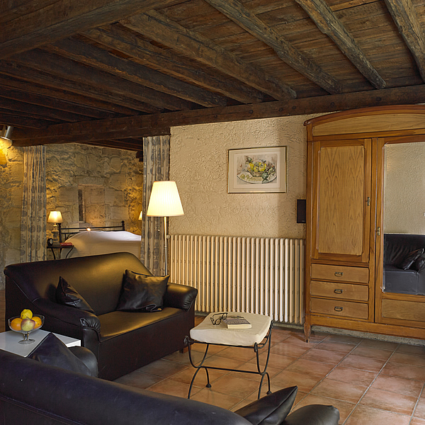 "Cottage ""Margaux"" (2 pers) the sitting area with satellite TV, DVD and audio set"