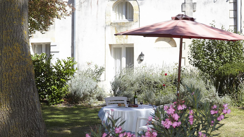Vakantiehuis Pomerol heeft een heerlijk zonnige terras