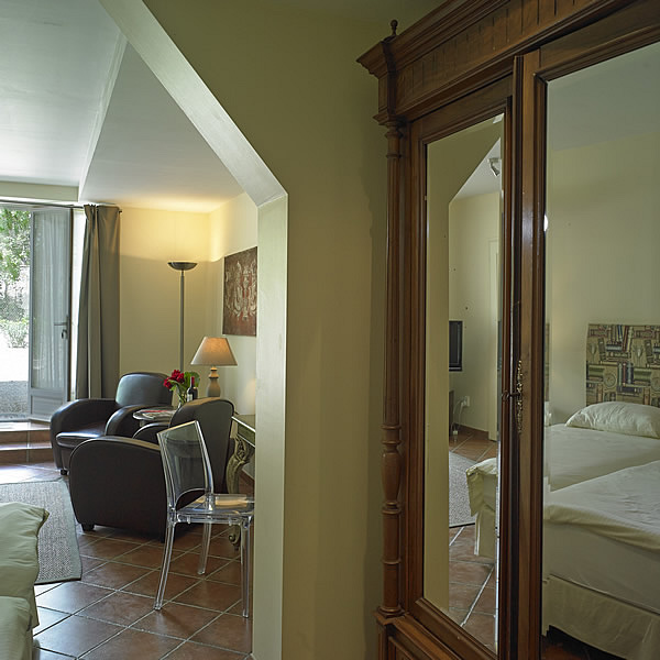 Sauternes offers a large air-conditioned (twin bedded) bedroom in the four-person option